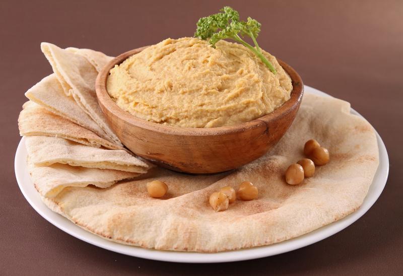 Kuboos và Hummus