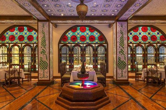 Nhà hàng Shahrayar Iran