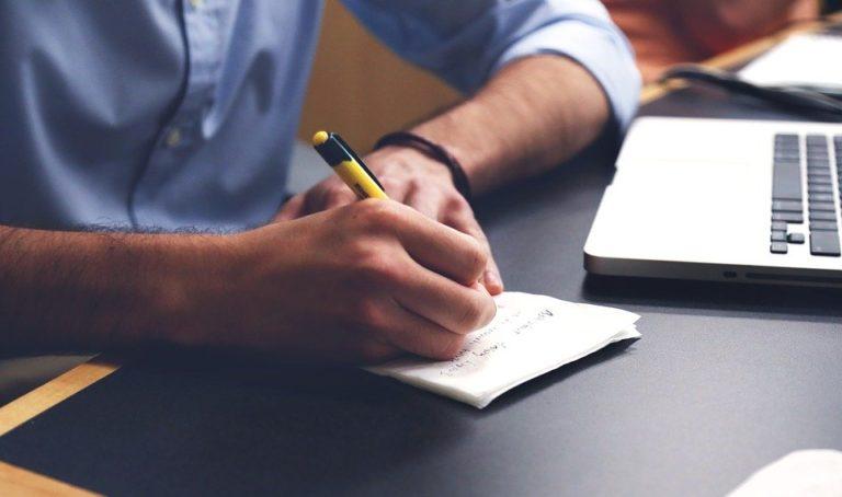 Học sinh chuẩn bị hồ sơ du học