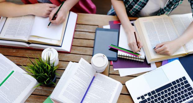 Học sinh chuẩn bị hồ sơ du học Mỹ