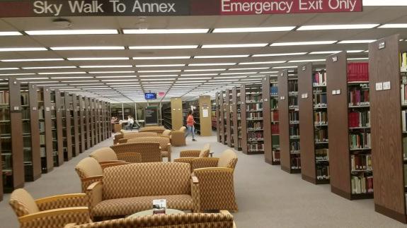 khung cảnh thư viện trường Taxes A&M