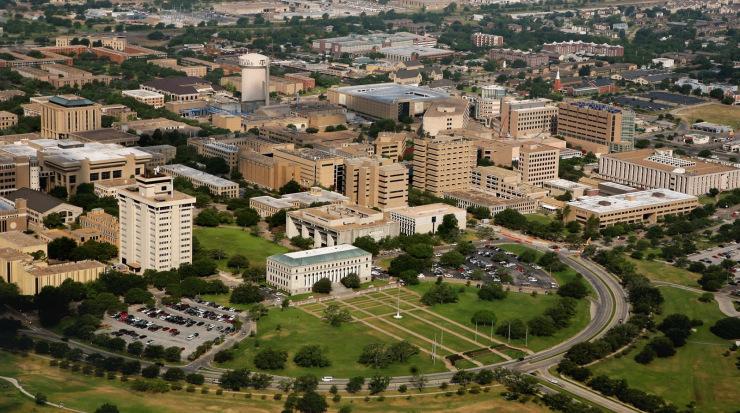 khung cảnh trên cao của đại học Texas A&M
