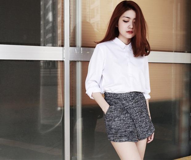 Mix áo sơ mi công sở cùng quần short