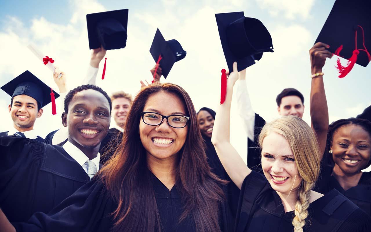 Các sinh viên tốt nghiệp du học Mỹ