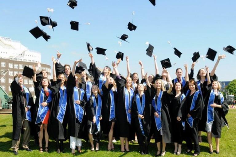 Lễ tốt nghiệp du học sinh tại Mỹ