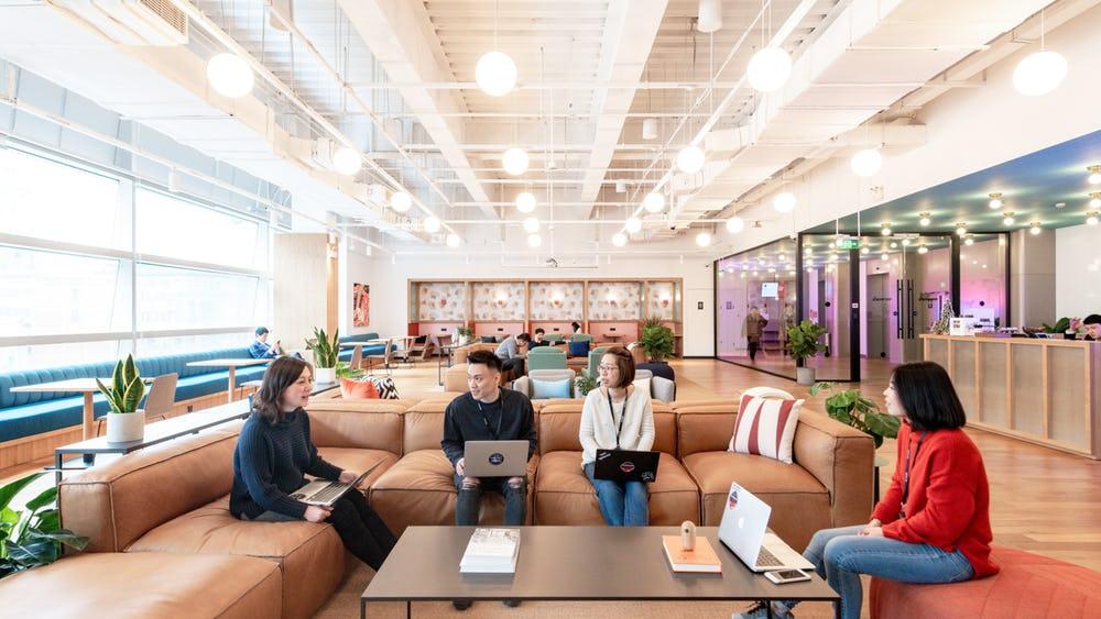 trao-doi-cong-viec-tai-co-working-space