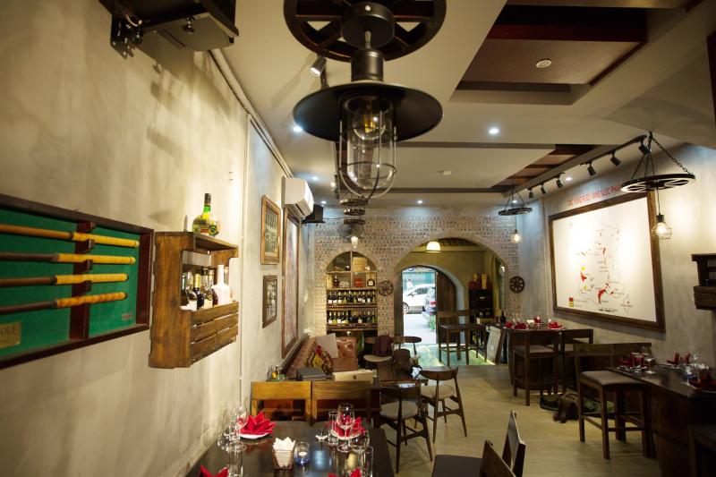Nhà hàng Vintage Wine Club