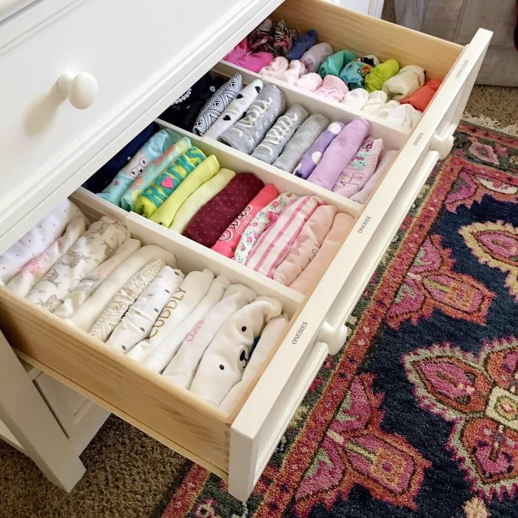 Cuộn quần áo